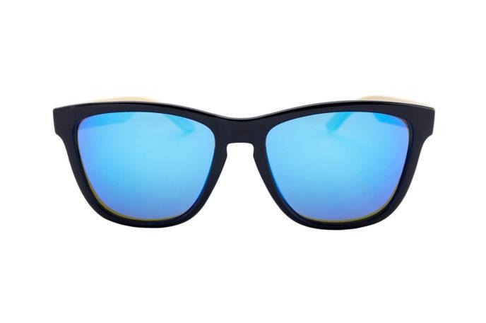 Gafas de sol noche en el tropico frontal